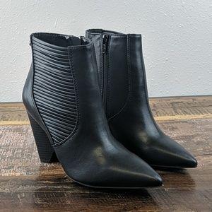 NEW! Simply Vera Wang Gadwall Black Booties Sz 8.5